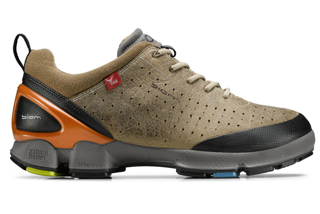 Ecco-BIOM-Walk,-For-the-Barefoot-Effect