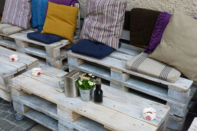 Wooden-Benches-rustic-homes