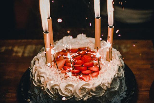 Adult birthday ideas of truffle cake