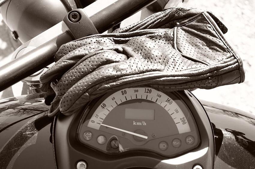 dirt bike riding gear include gloves